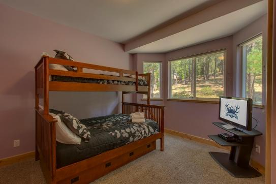 Elk View Bunk Bedroom 3